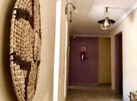 The Savanna Lodge, Kanye