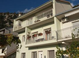 Apartman Mario 2, Blato na Cetini