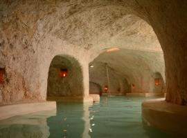 Hotel Zentik Project & Saline Cave, Valladolid