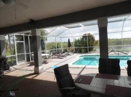 Linda Vacation Home, Lehigh Acres (in de buurt van La Belle)