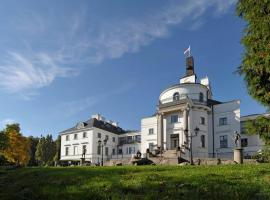 Schlosshotel Burg Schlitz, Hohen Demzin (Mamerow yakınında)