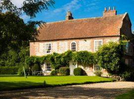 Apuldram Manor, Čičestera (tuvumā vietai Fishbourne)