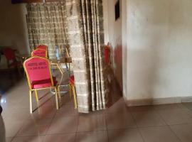 Nbeotel Motel, Bafoussam (Mapara yakınında)