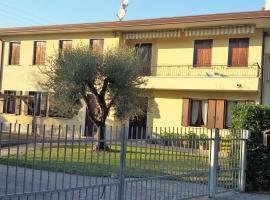 Angela House, Arqua Petrarca (Monselice yakınında)