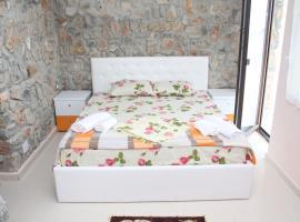 Hotel Stone Dream, Polje (Udënisht yakınında)