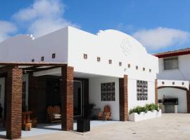 Villa Santa Paula, Ciudadela Costa de Oro (José Luis Tamayo yakınında)