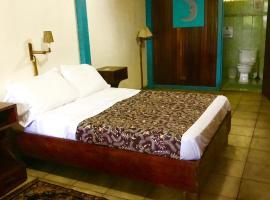 Lapalapa Beachfront Hotel