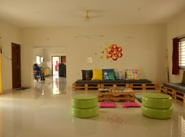 Beehive Travellers & Backpackers Hostel