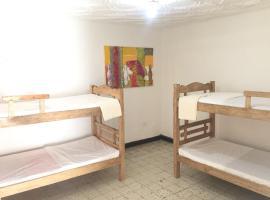 Hostel Crespo Casa Blanca