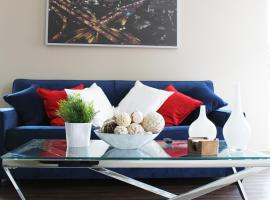Hollywood Luxury Suite * 5 beds + Parking