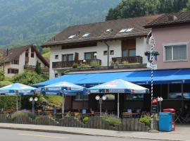 Hotel Schiffahrt, Mols