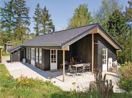 Holiday Home Ega with Fireplace III, Egå (Skæring yakınında)