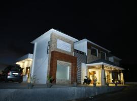 Hotel Pine Queen, Kanatal (рядом с городом Chamba)