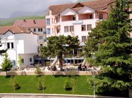 Hotel Vllaznimi, Bajram Curri (Tropojë yakınında)