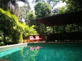 Kenny Hills villa