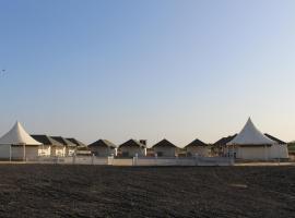 Nova Patgar Tents, Dhordo (рядом с городом Bherandiāla)