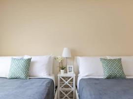 LA Clean and Comfy Suite