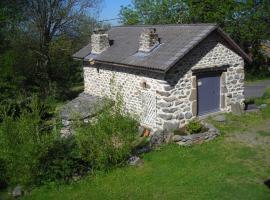 Gite du Rucher du Meygal, Saint-Julien-Chapteuil (рядом с городом Le Pertuis)