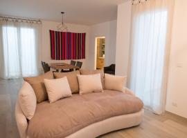 Villa dei Cedri Attic Apartment, Santo Spirito (À proximité de: Giovinazzo)