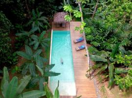 Golfo Dulce Retreat, Gamba