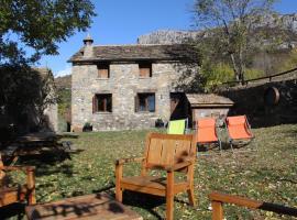 2 Casas en Bestué, Bestué (Buerba yakınında)