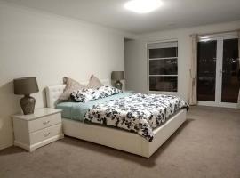 Willams Langing House 7bedroom, Laverton (Tarneit yakınında)