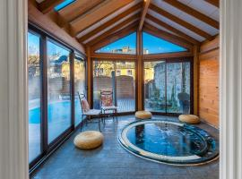 Holiday Home & Spa - Le Rendez Vous de Vauban, Mont-Dauphin (рядом с городом Эйглие)