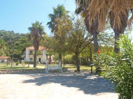 Villa Liri, Mourtias (рядом с городом Líri)