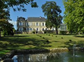 Chateau Carbonneau, Pessac-sur-Dordogne (рядом с городом Saint-Quentin-de-Caplong)