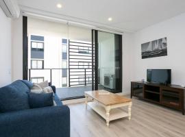Chic Designer Home for 6 Guests + Parking, Penrith (Emu Plains yakınında)