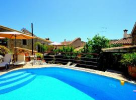 Mallorcan house with Mediterranean views, Mancor del Valle