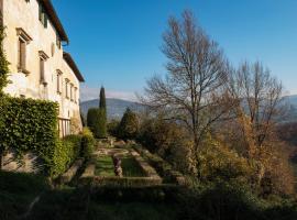 Florentine Villa among olive trees, Fiesole (Terra Rossa yakınında)