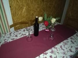 "Planinska kuća za odmor ""KIKE"", Tomislavgrad (Zidine yakınında)"