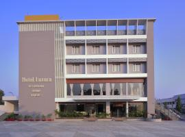 Hotel Luxura, Godhra (рядом с городом Jambughoda)