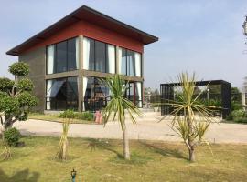 Den Charoen Resort, Amphoe Na Klang
