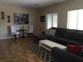 Beautiful Large Home In Great Location., Phoenix