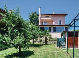 Four-Bedroom Holiday Home in Village Velika, Velika (Fazanovo yakınında)