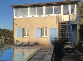 Two-Bedroom Apartment in Luri, Luri