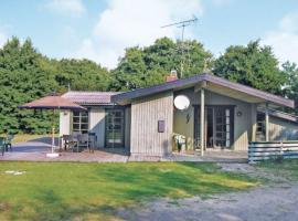 Modern spa and sauna summer cottage in Sømarken