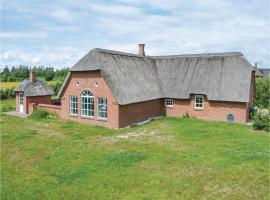 Seven-Bedroom Holiday Home in Ulfborg, Ulfborg (Øby yakınında)