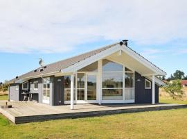 Three-Bedroom Holiday home in Jerup 9, Jerup (Bratten Strand yakınında)