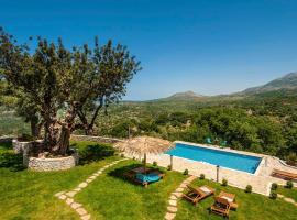 Totally private and luxurus Villa Nicol