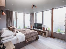 Clarendon Suites