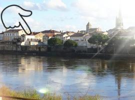 The Riverview Loft, Sainte-Foy-la-Grande (рядом с городом Fougueyrolles)