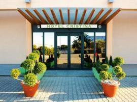 Hotel Cristina, Rocca San Giovanni (Treglio yakınında)