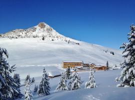 Berghotel Jochgrimm - Alpine Wellness, Варена (рядом с городом Redagno)