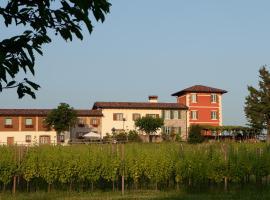 Alloggio Agrituristico CORTE SAN BIAGIO, Corno di Rosazzo (Ruttàrs yakınında)
