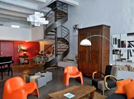 Private Rooms Luxury Villa City Center