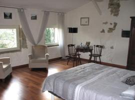Chambres d'Hôtes Domaine Saint-Joly, Lasbordes (рядом с городом Saint-Papoul)