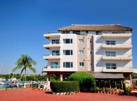 Marina Banderas Suites Hotel Boutique